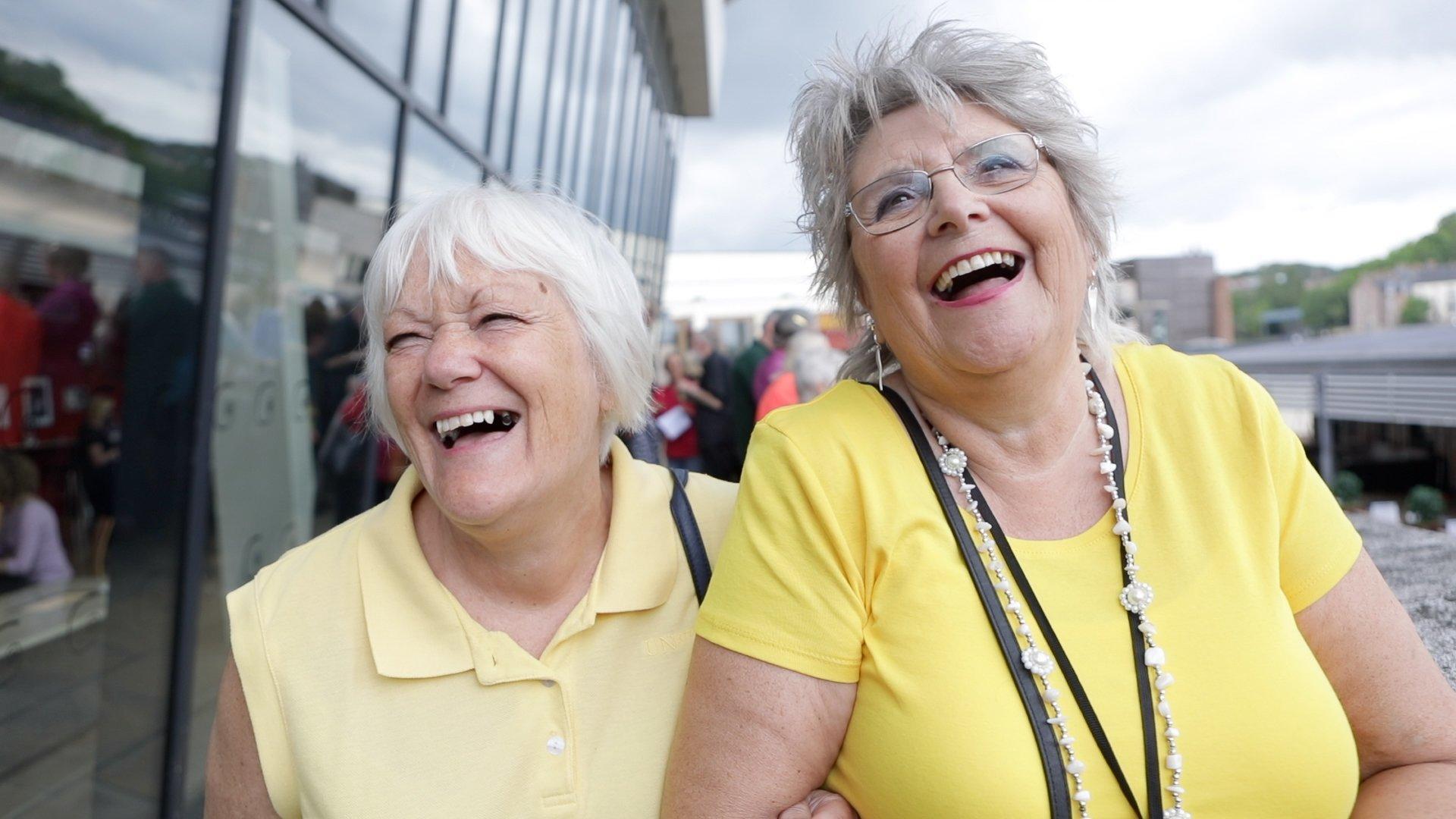 Yellow Ladies, Durham Big Sing - The Singing Elf